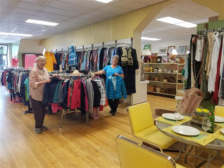 Picture of shoppers at second hand store